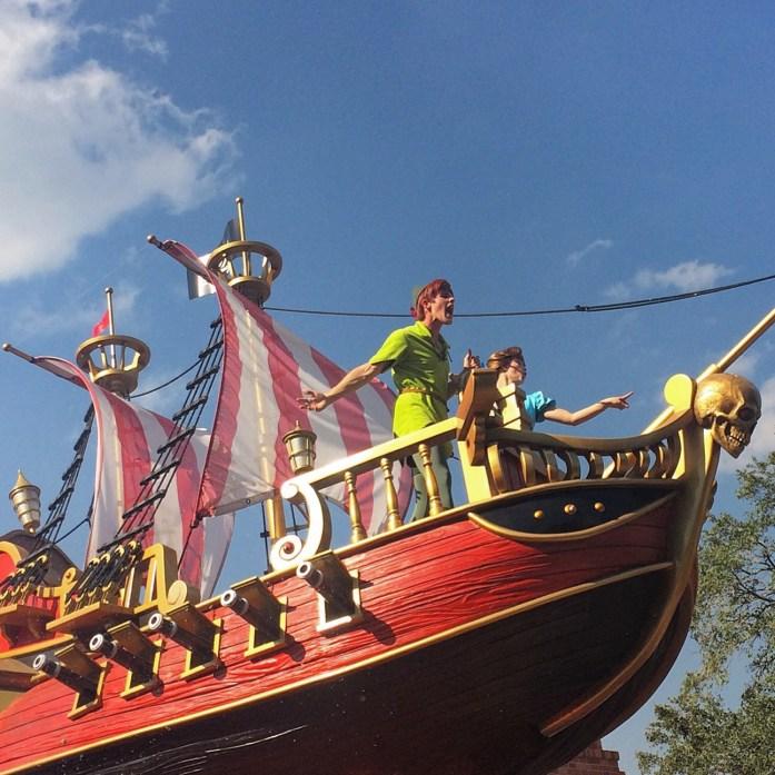 How-I-Afford-Travel-Disney-parade-peter-pan