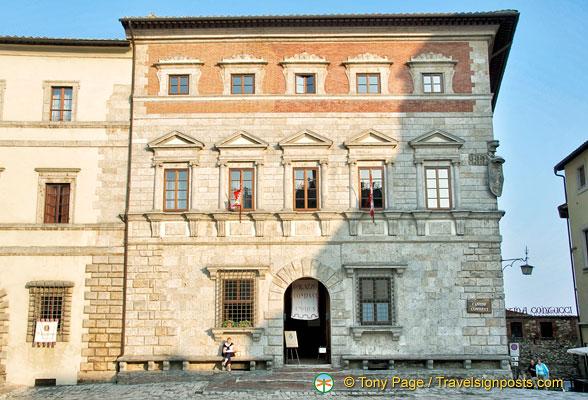 Montepulciano wine