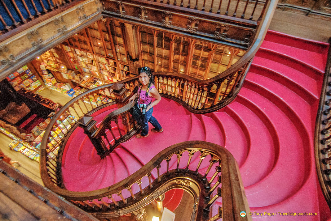 Lello Bookshop - Porto Shopping
