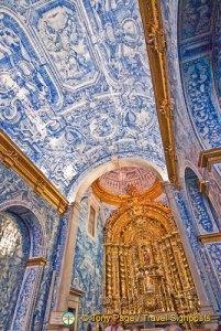 São Lourenço's exquisite azulejos tiles