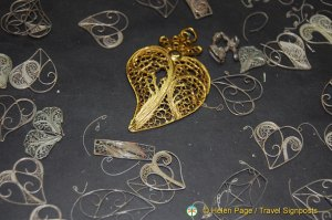 Heart-shaped Gold Filigree, Oporto Shopping