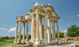 Tetrapylon – The Gateway to the Temple of Aphrodite