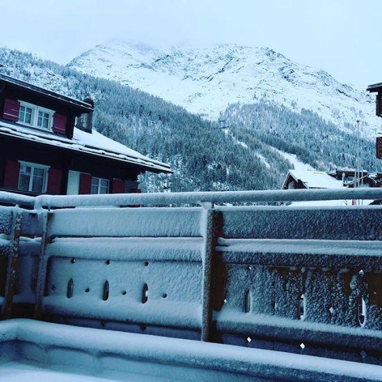 Guten Morgen Winter #ersterschnee #saasfee2015 @isaasfee #winter #skitest