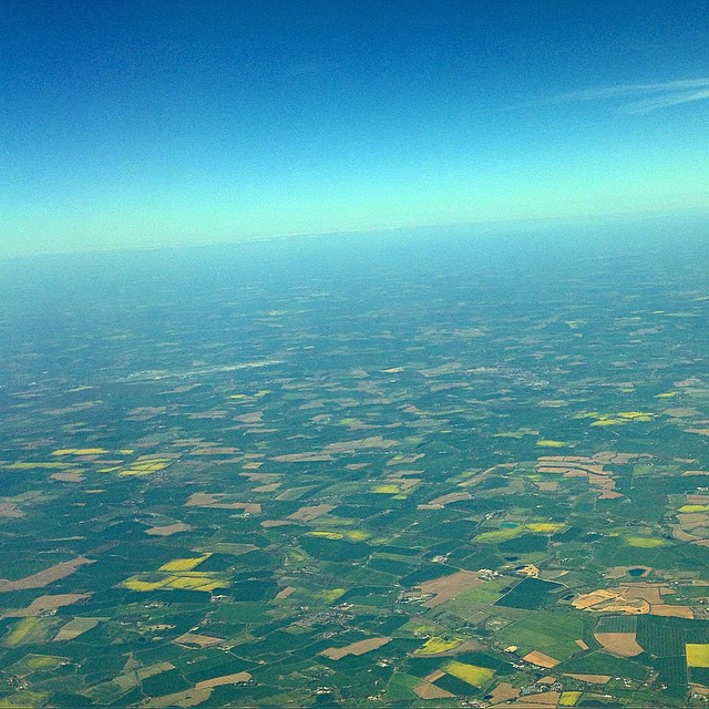 I love #flying over #england at this time of year - the fields are full of colour and crops - out green (and yellow) and pleasant land #britaininbloom
