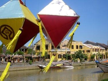Colorful kites, Hue