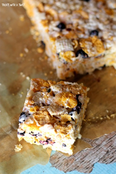Blueberry Cereal Crispie Bars