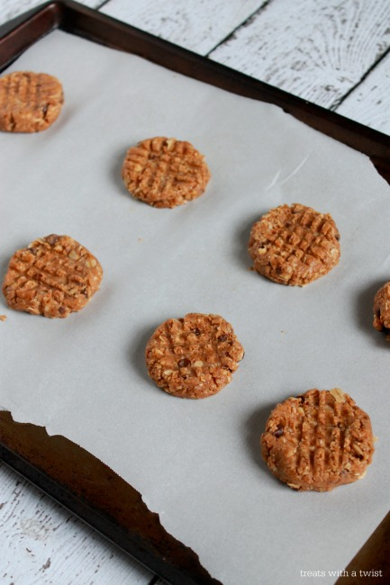 Raw Almond Chocolate Chip Cookies 3