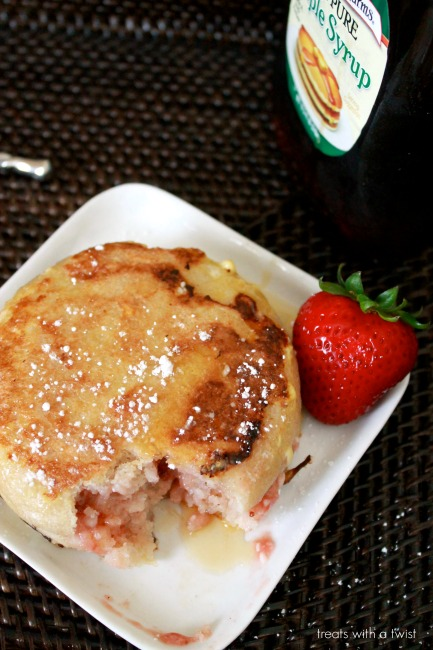 strawberry stuffed french toast 4