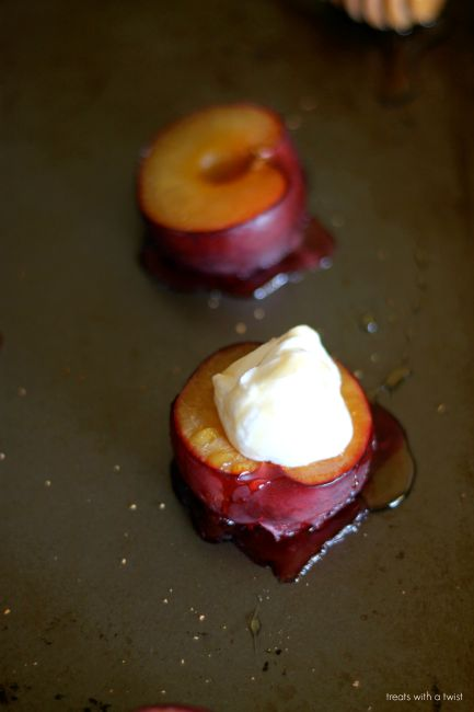 Roasted Plums with yogurt and honey 2