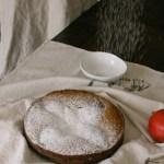Maple Pear Cake // gluten free// treatswithatwist.com