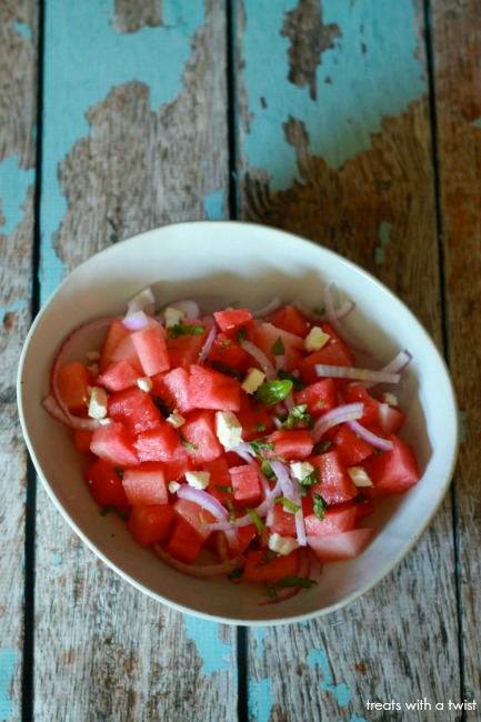 Watermelon Feta Salad // treatswithatwist.com