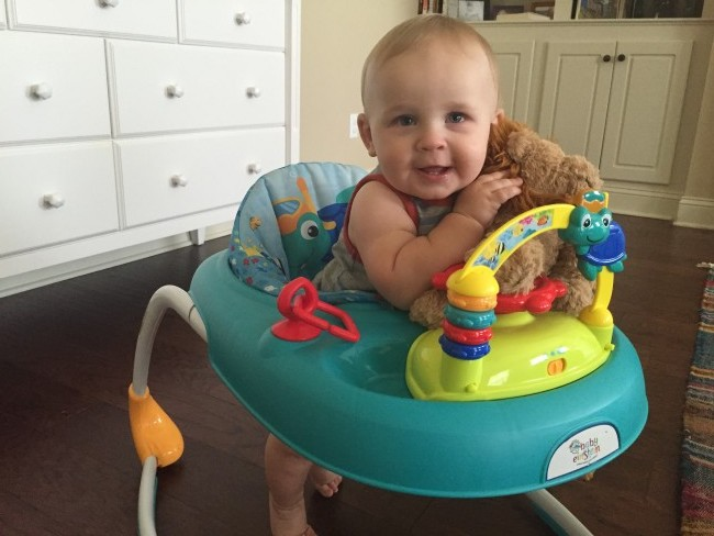 Life With Canaan 8 weeks in // baby update and products we love // treatswithatwist.com