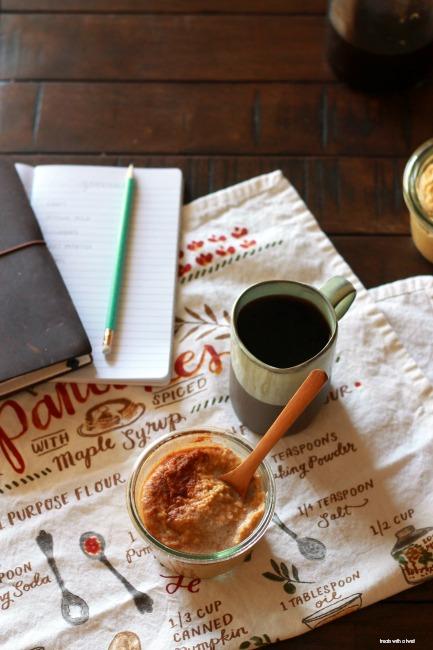 Pumpkin Almond Blender Porridge // gluten free, vegan // treatswithatwist.com