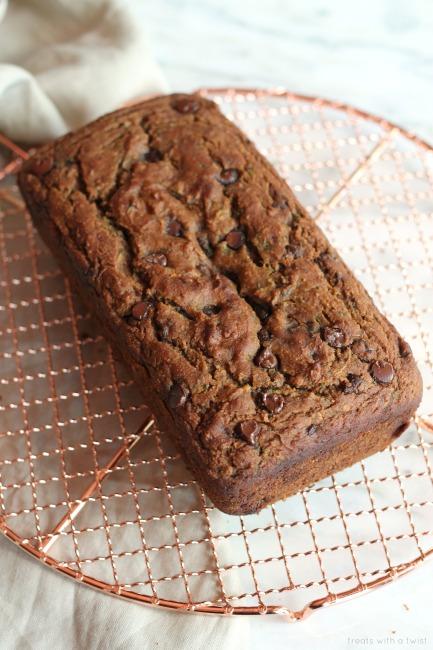 Chocolate Chip Zucchini Bread // gluten free // treatswithatwist.com