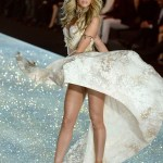 Candice Swanepoel - Shipwrecked