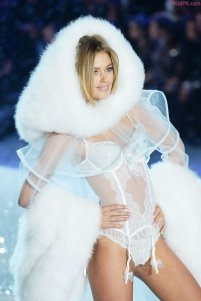 Doutzen Kroes - Snow Angels