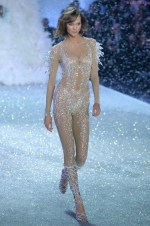 Karlie Kloss - Snow Angels