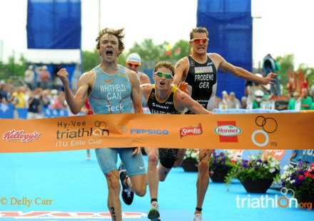 Simon Whitfield winning his last world cup at Hy-Vee in 2009. Pic by Delly Carr.