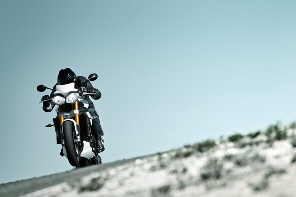 triumph-speed-triple-r-11
