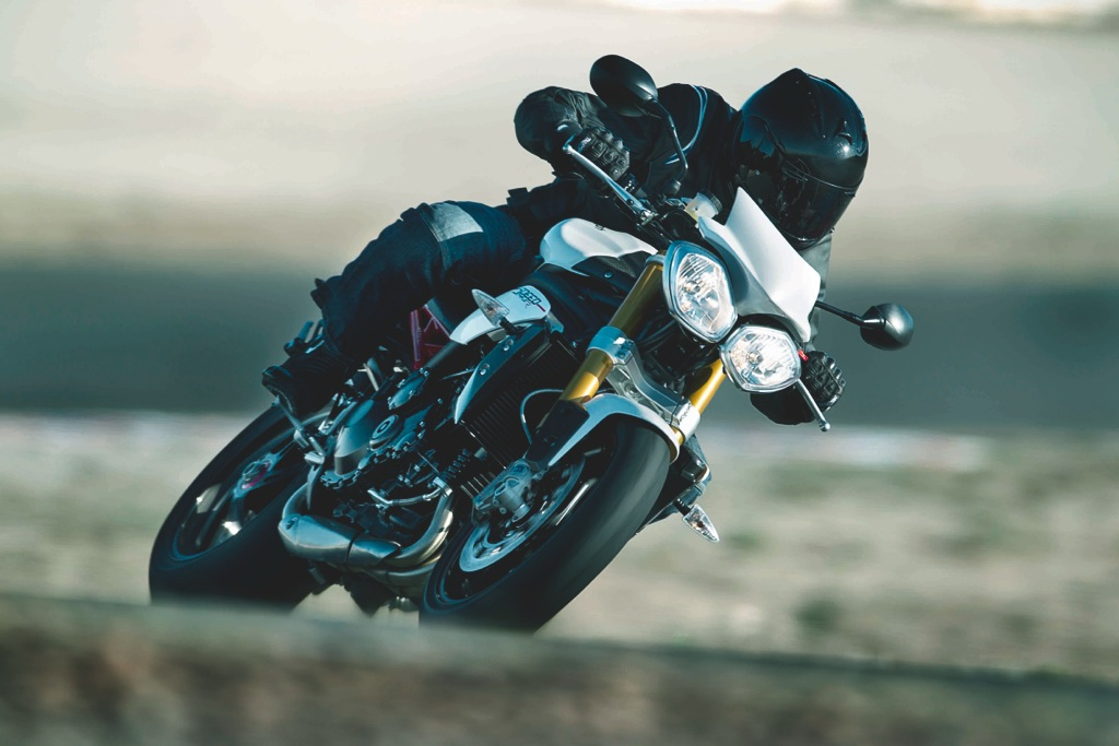 triumph-speed-triple-r-9