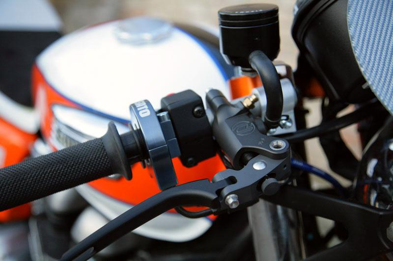 Triumph Thruxton by De Caesar Race Components 07