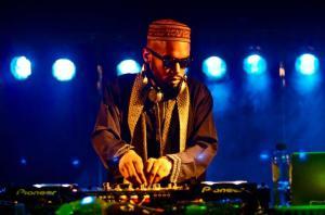 DJ Narain Ashad 300x198 Zee Reach / DJ Narain Ashad   Cant Stop EP Exclusive TropicalBass.com Promo Mix