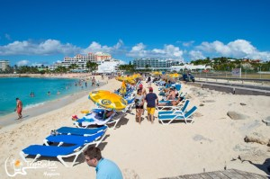 St. Maarten Beach Bar is an Adventure in Plane Spotting