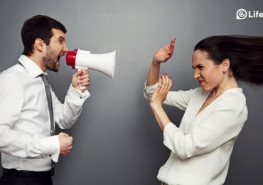5 WAYS TO DEAL WITH NEGATIVE PEOPLE EFFECTIVELY