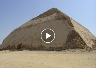 Snefru's_Bent_Pyramid_in_Dahshur1