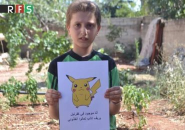 The touching photos of children from Syria with Pokemon Go characters. (2)
