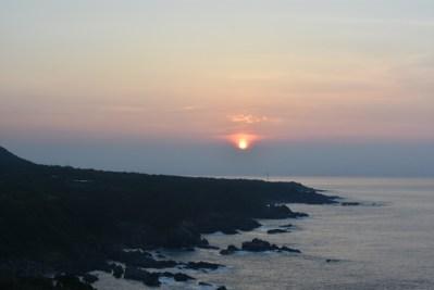 JRホテル屋久島 〜 山の向こうの夕暮れ 海から上る夜明けの美しさに息を飲む [2016年8月 屋久島・鹿児島旅行記 その23]