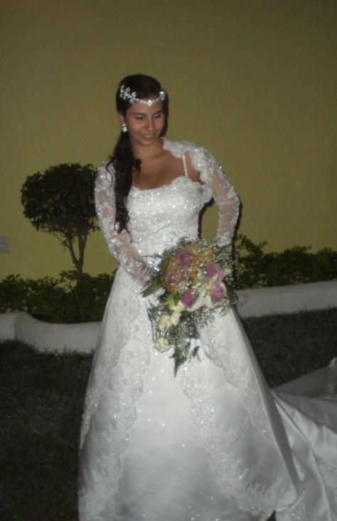 Noiva Suelly em momento de seu casamento