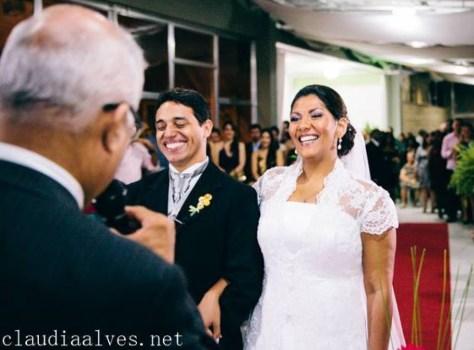 cropped-Túlio-celebrando-casamento-Vanessa-e-David1.jpg