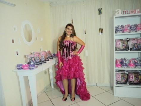 Na foto a debutante Karoline Fernanda