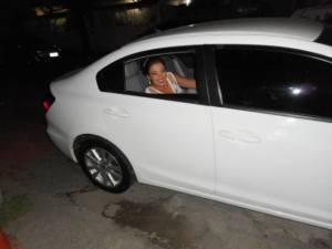 foto da noiva patricia chegando de carro