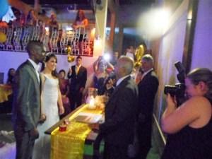 Foto do momento da cerimônia Geovani e Yasmim
