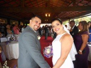 Foto dos noivos ao término da cerimõnia.