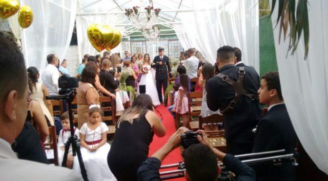 Cerimônia de casamento com efeito civil
