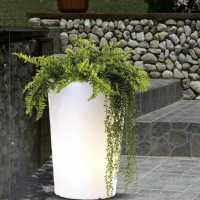 Luci per esterno, vasi luminosi da giardino.