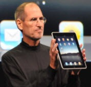 Steve_Jobs_Apple_iPad
