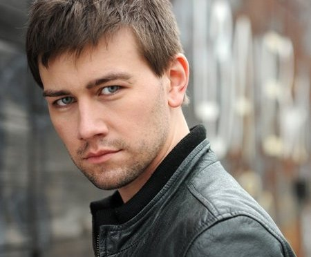 Endgame & Heartland actor Torrance Coombs on the business of deception and those eyes