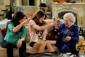 HOT IN CLEVELAND Where Is Elka (4)