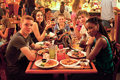 "Shameless (Showtime) ""I'll Light a Candle for You Every Day"" Season 2 Episode 3 (5)"