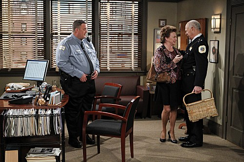 Mike & Molly Season 3 Episode 5 Mike's Boss (5)