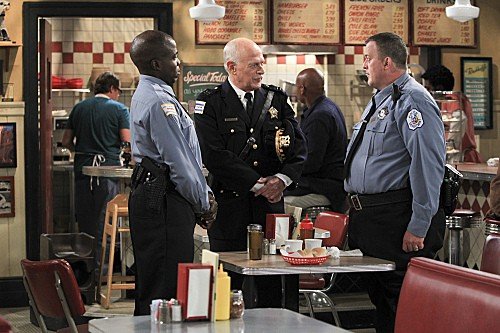Mike & Molly Season 3 Episode 5 Mike's Boss (1)