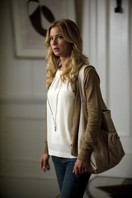 Revenge Season 2 Episode 2 Resurrection (5)
