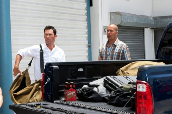 Burn Notice Season 6 Episode 12 Over The Lines