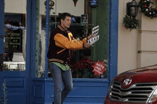 Suburgatory Season 2 Episode 7 Krampus (2)