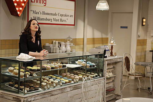2 Broke Girls Season 2 Episode 14 And Too Little Sleep (5)