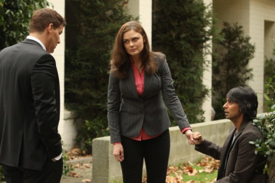 Bones Season 8 Episode 13 The Twist in the Plot (3)